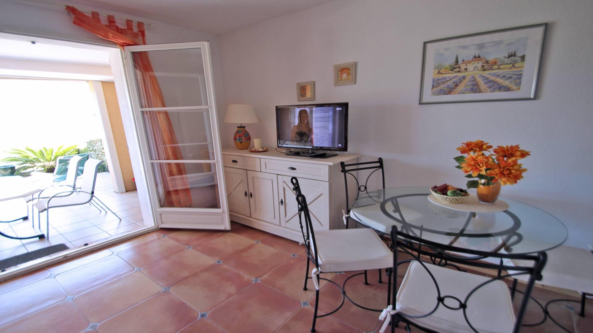 Petit Village Maison mitoyenne LES ISSAMBRES