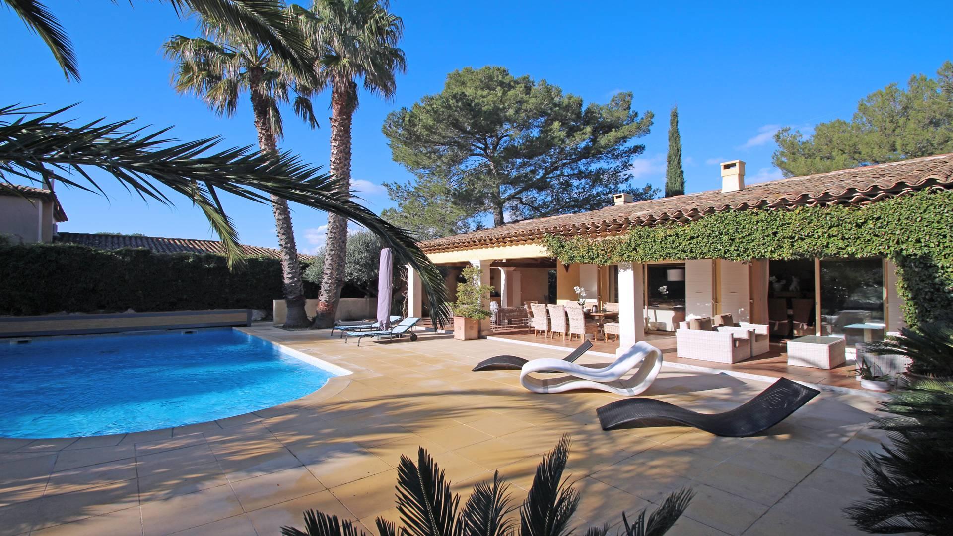 Location Villa avec piscine GRIMAUD