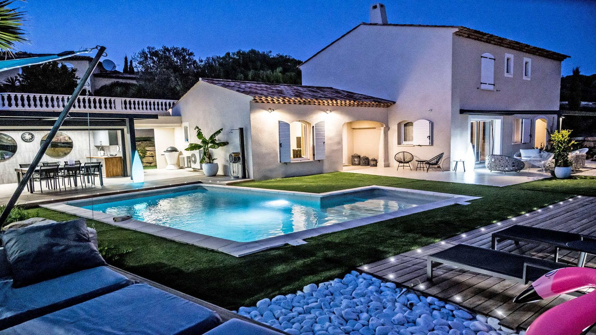 Le Clos Garonnette Villa avec piscine LES ISSAMBRES