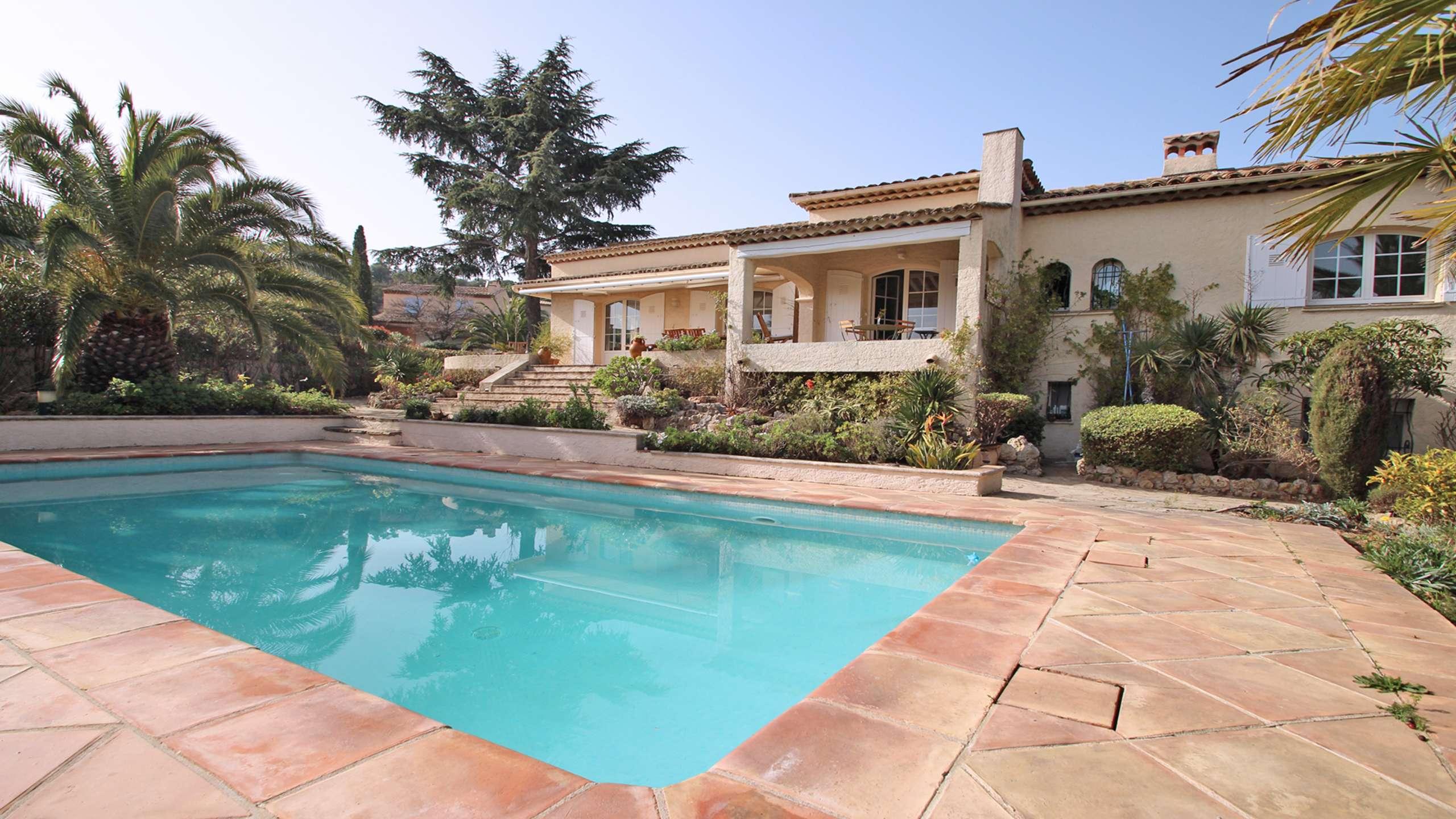 Location Villa avec piscine STE MAXIME